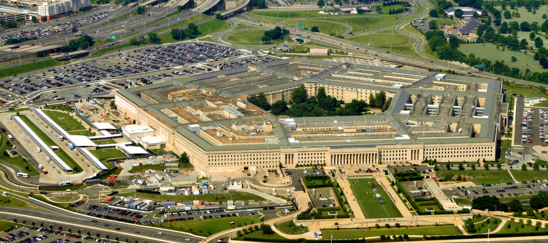 Ultimate Guide To The US Pentagon Facts and Tour Information on pentagon blueprints, pentagon explosion, pentagon police officer, pentagon building before 9 11, pentagon attack, pentagon diagram, pentagon flag, pentagon building history, pentagon missile,